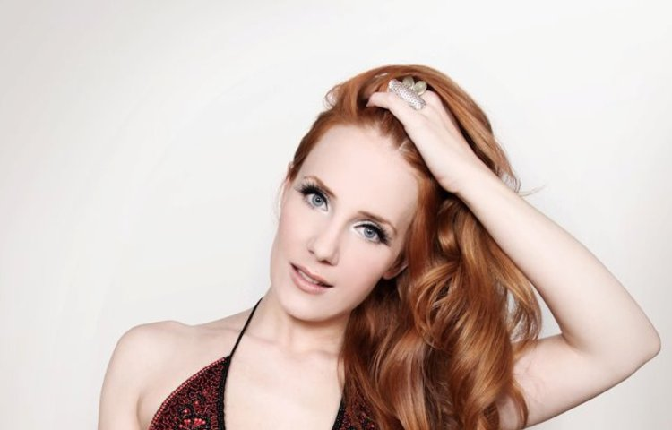 simone simons